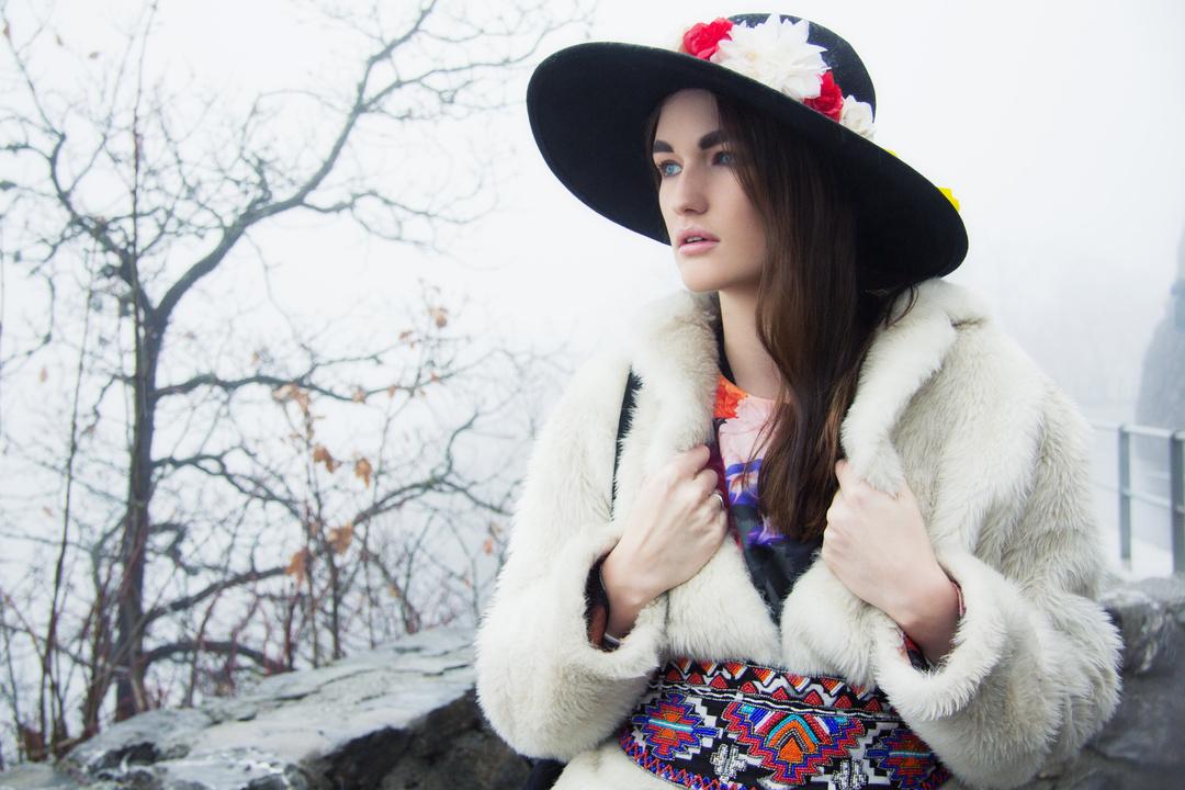 Model: Sarah Hagmann MUA and hair: Diane Bracciale Styling: Julia Persila David  © 2014 Aliona Kuznetsova
